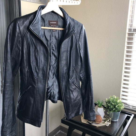 Danier Jackets & Blazers - 🇨🇦Danier🇨🇦 Lamb Leather Jacket